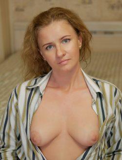 Знающая толк в сексе красавица ищет в Набереженые челны мужчину для интим встреч